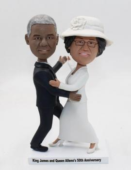 Personalized dancing anniversary cake topper for parents