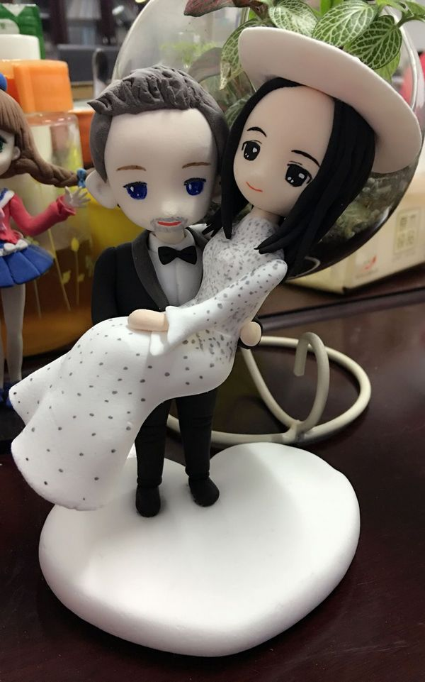 Custom Caucasian groom & Vietnamese bride cake topper