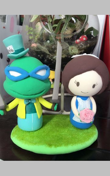 Custom TMNT mad hatter with Alice in wonderland bride toppers